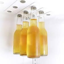 Магнитна поставка за бутилки
